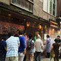 8月10日「焼き鳥の日」に大いに賑わう神楽坂店(東京)
