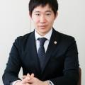 岸田弁護士 写真