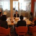 若手社員を前に市川社長は健康の重要性を強調する