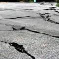 地震 震災 地割れ