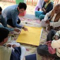インドの農村部で住民と課題を話し合い解決策を探る