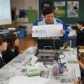実験で静電気を利用してコピーができる原理を学ぶ