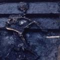 発掘された2体の人骨