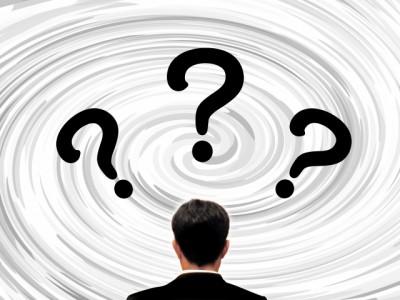 「仕事に偏り」4割超が悩む 管理職アンケ